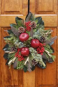 Thu Dec 10 2020 10am, Williamsburg Fruit Plaque, 201210101